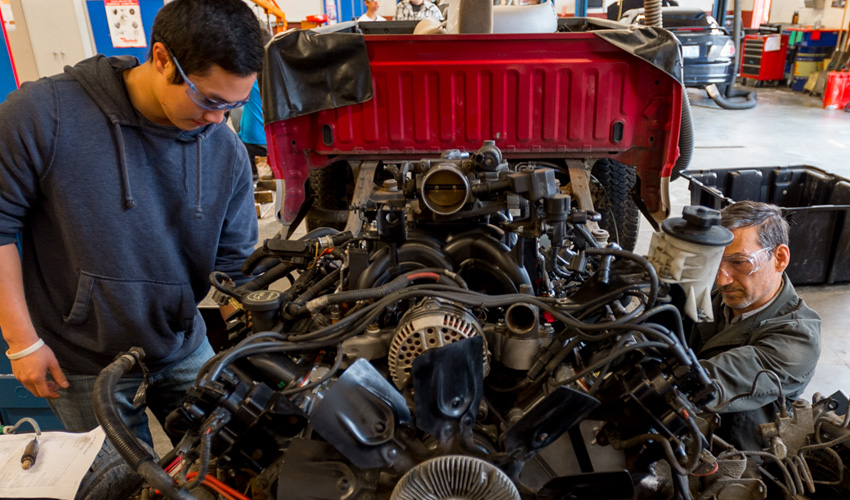 Characteristics of the Good Automotive Repair Auto technician